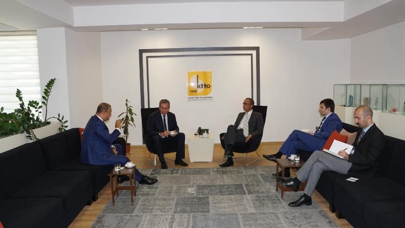 Abhazya delegasyonu KKTC Ticaret Odası başkanı Fikri Toros ile